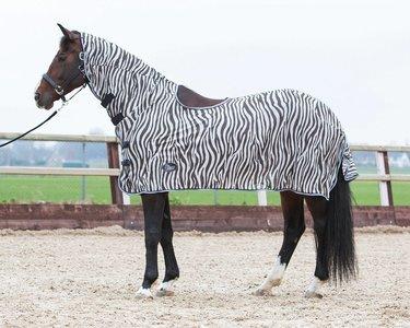 Vliegendeken zebra met hals en zadeluitsparing.